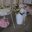 pot-blanc-avec-dcoration-florale
